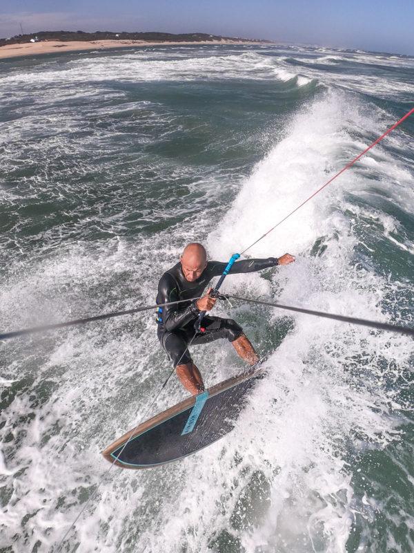 Wave riding Airush